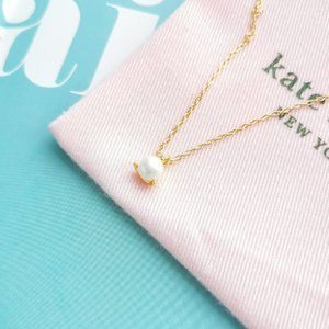 Brilliant Statements Tri-Prong Gold Necklace